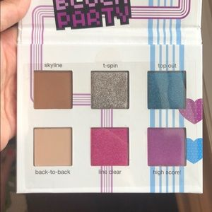 TETRIS x Ipsy Block Party Eye Palette